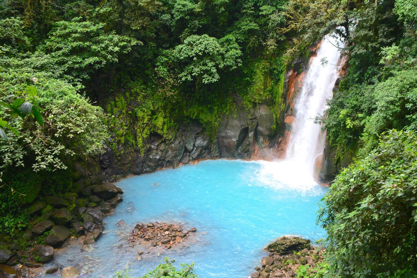 Costa Rica 5 Face Aux Couleurs Incroyables Du Rio Celeste