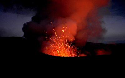 Vanuatu #1 – Rencontre avec le volcan Yasur, coeur bouillonnant de l'île de Tanna